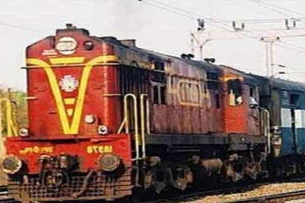 Photo of बढ़ते कोरोना संकट में दो ट्रेनों की झारखंड में नो इंट्री, राज्य सरकार ने किया था रेलवे से आग्रह
