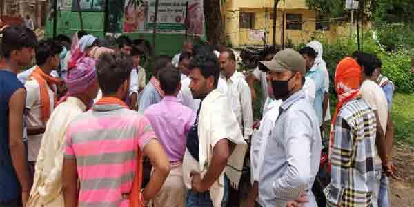 Photo of गिरिडीह : भूमि विवाद में 13 लोगों ने मिलकर किया पिता-पुत्र पर हमला, पिता की मौत, पुत्र घायल