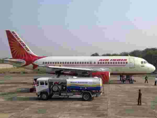 Photo of विमानन ईंधन 7.5% हुआ महंगा, पेट्रोल-डीजल की कीमतों में लगातार दूसरे दिन कोई बदलाव नहीं