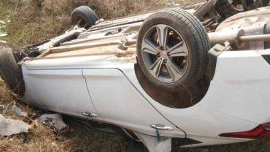 Photo of रांची-टाटा रोड पर बुंडू के पास कार खाई में गिरी, सभी चार लोग सुरक्षित