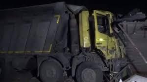 Photo of दर्दनाक हादसाः सूरत में फुटपाथ सो रहे मजदूरों को ट्रक ने रौंदा, 15 की मौत