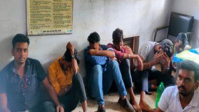 Photo of पलामू: जेसीबी लगाकर घर और चहारदीवारी गिरा रहे कई लोग हिरासत में