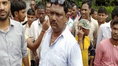 Photo of पलामू : महिला के साथ आपत्तिजनक स्थिति में एएसआई को ग्रामीणों ने पकड़ा, एसपी से कार्रवाई की मांग