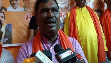 Photo of धनबाद : पूर्व मंत्री अमर बावरी ने विपक्ष के बंद को बताया फ्लॉप
