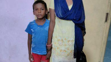 Photo of पलामू: मृत मानकर जिस खुशबुन निशा को किया गया सुपुर्द-ए-खाक, वह जिंदा मिली
